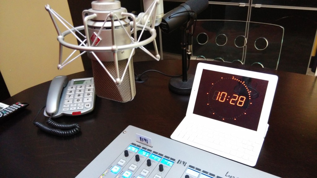 detalle_microfono_reloj_e1